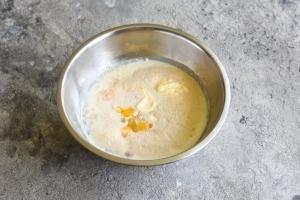 Dough starter in a bowl for vatrushka