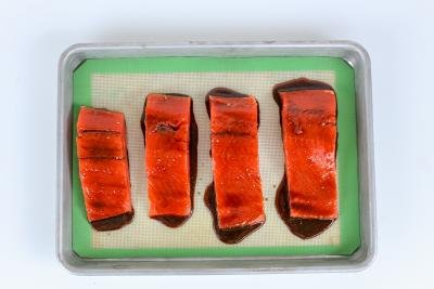Salmon slices glazed with brown sugar