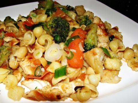 Grilled Chicken and Veggie Macaroni