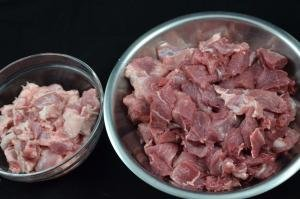 2 bowls of meat cut into 1inch cubes