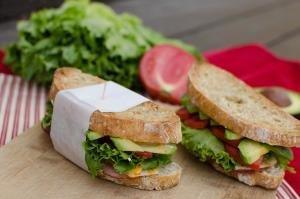 2 garlic toasted sandwiches on a cutting board