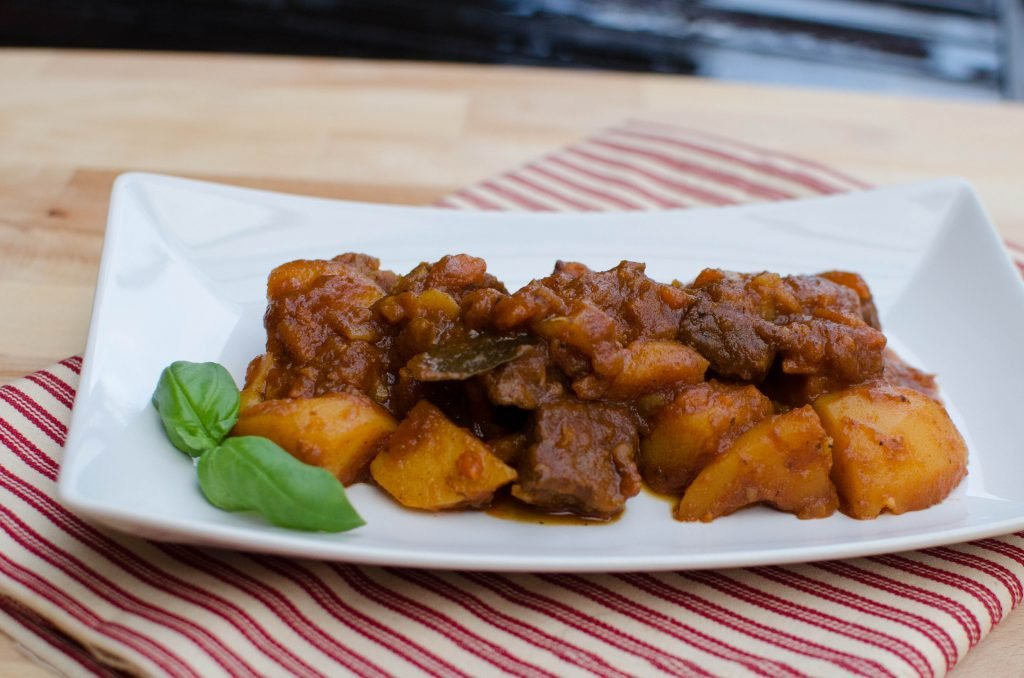 Braised Potatoes with Beef