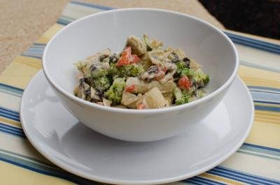 A bowl of Creamy Veggie Pasta