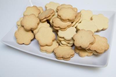 Dulce De Leche Sandwich Cookies on a bowl