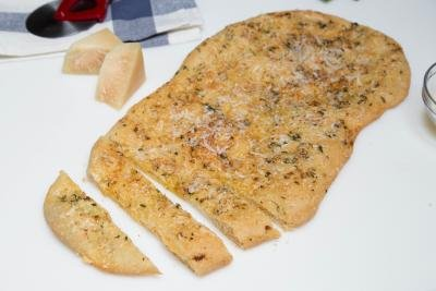 Easy flat bread recipe with Parmesan Garlic cut into pieces