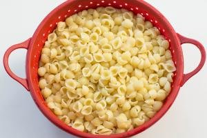 Macaroni in a strainer