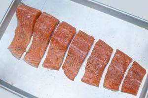 Salmon on a baking pan seasoned