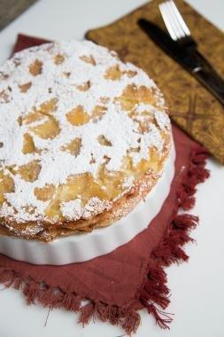 Sharlotka Apple Cake