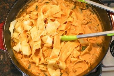 Creamy One-Pot Pasta in a cast iron pot