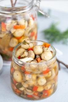 Easy Marinated Mushrooms in a jar