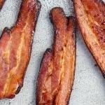 Crispy bacon on a tray