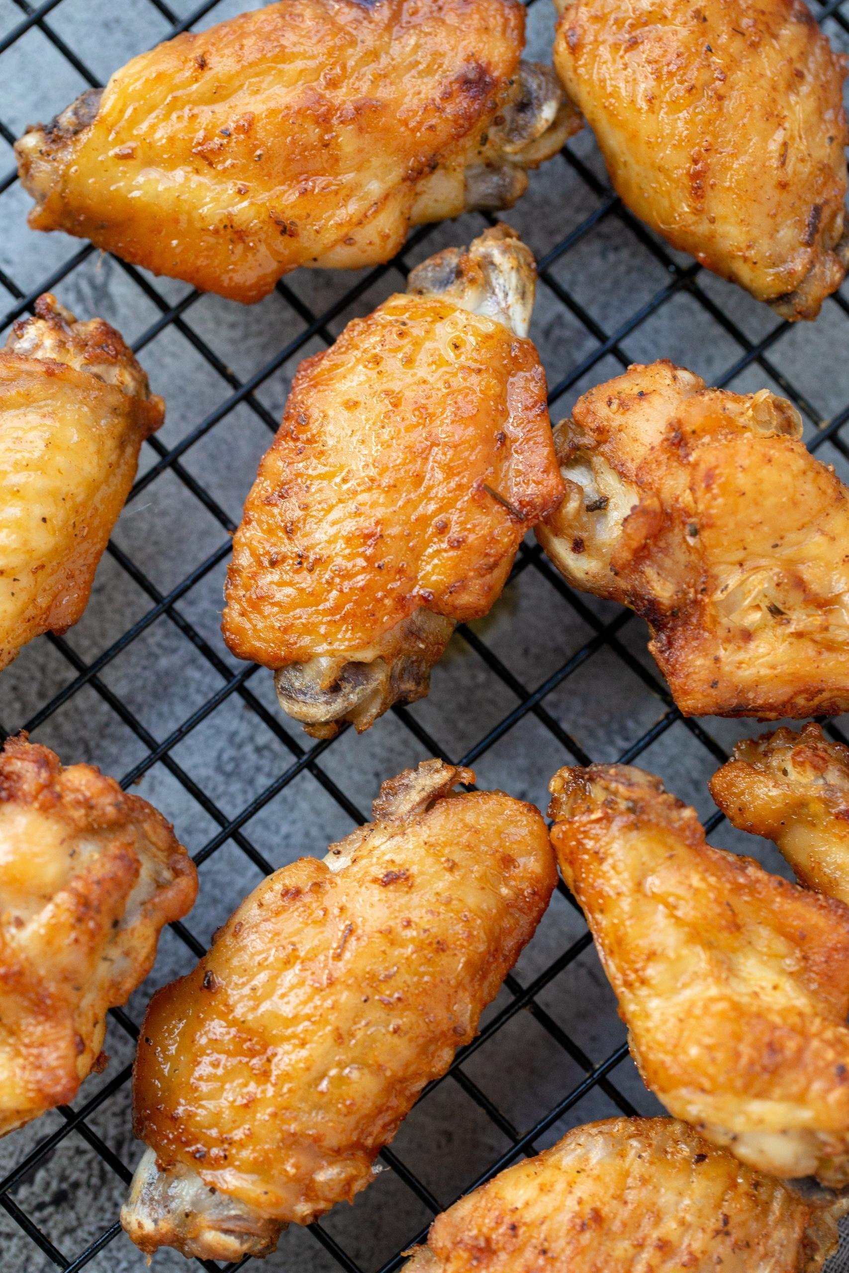Easy Air Fryer Chicken Wings Video Momsdish