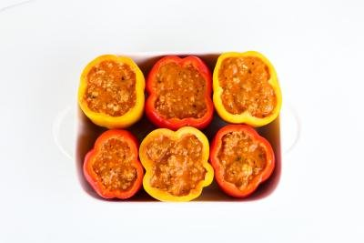 Stuffed bell peppers with lasagna mixture
