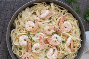 Creamy Shrimp Scampi in a Bowl