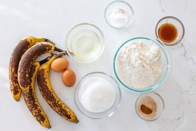 Ingredients for the banana bread