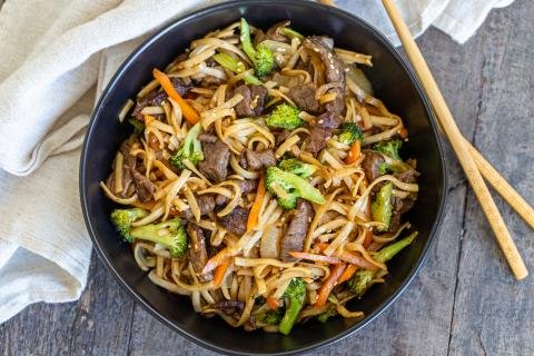 Beef Lo Mein in a bowl