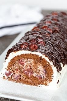 Drunken cherry cake roll