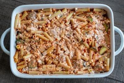 Ziti pasta with meatballs and veggies