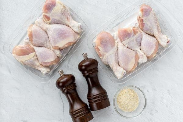 chicken legs, salt and pepper and garlic parsley salt