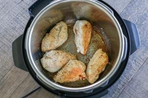 Browned chicken in an instant pot