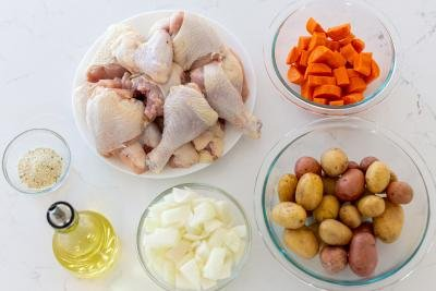 ingredients for the baked chicken with potatoes