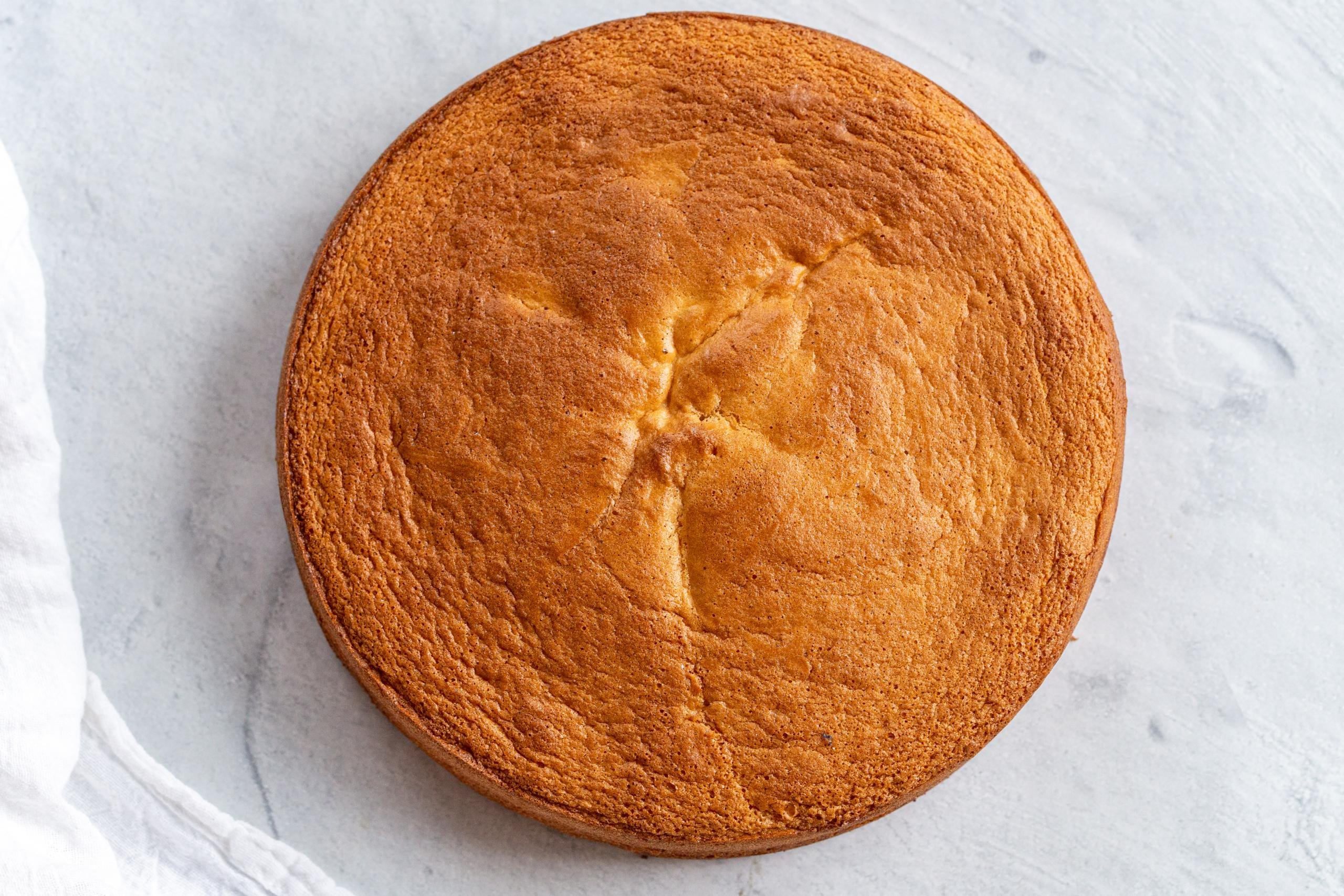 The Perfect Sponge Cake Only 3 Ingredients Momsdish