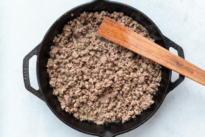 Cooked ground beef in the pan