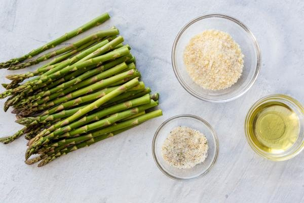 ingredients for the air fryer asparagus