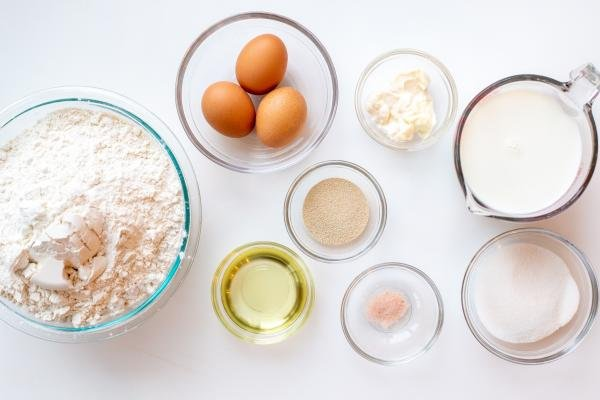 ingredients for the perfect yeast dough
