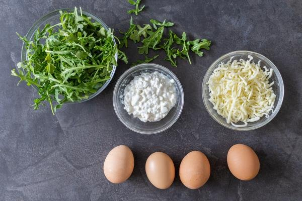 eggs, cheese and arugula