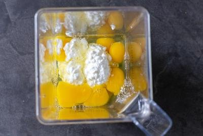 blender with eggs and cottage cheese