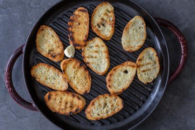 Grilled bread with galic