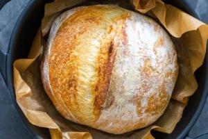 No Knead bread in a cast iron