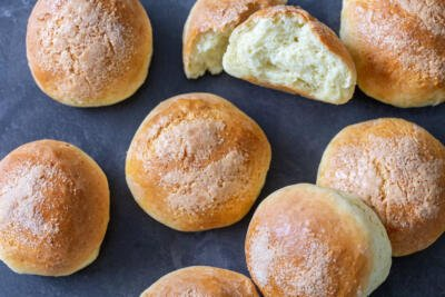 Baked cottage cheese buns