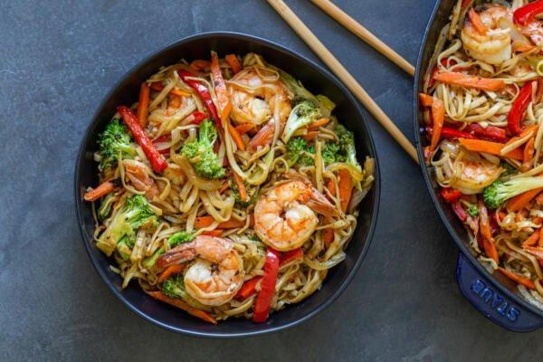 A bowl with shrimp lo mein
