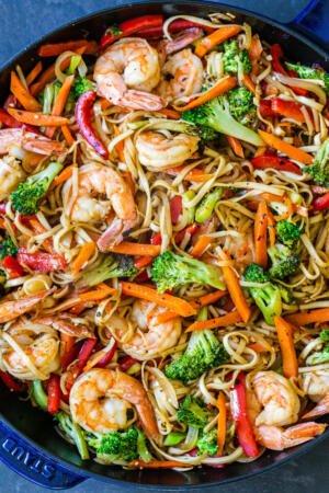Shrimp Lo mein in a pan