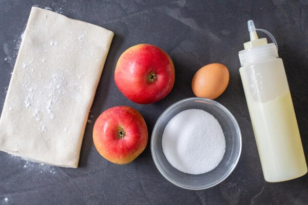 Ingredients for apple tarts