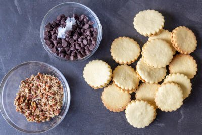 dulce de leche cookies with chocolate and nuts