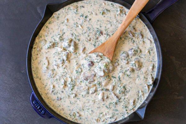 Mushroom gravy in a pan