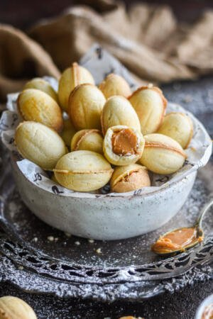 a bowl of Russian walnut cookies