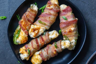 Air Fryer jalapeno Poppers on a plate