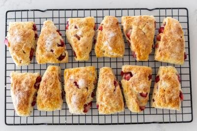 scones on a scooling rack