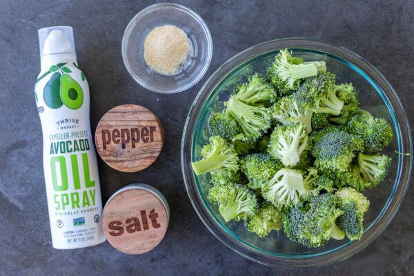 Ingredients for the air fryer broccoli