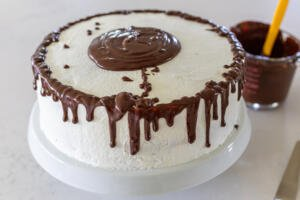 chocolate drizzled on a cake top