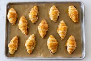 filled croissant