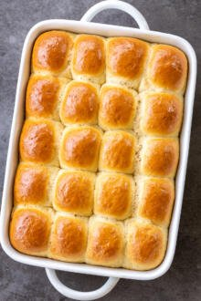baked dinner rolls in a pan