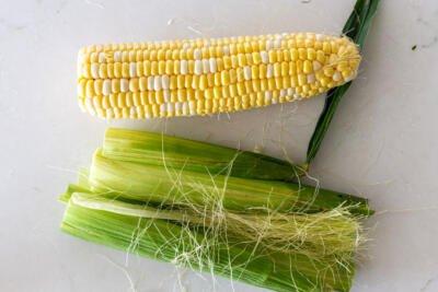 peeled corn on a cob