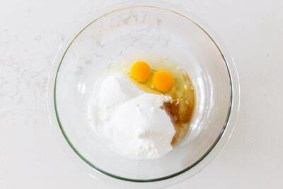 eggs, sugar and vanilla in a bowl