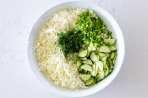 Cabbage and the rest of veggies in a bowl